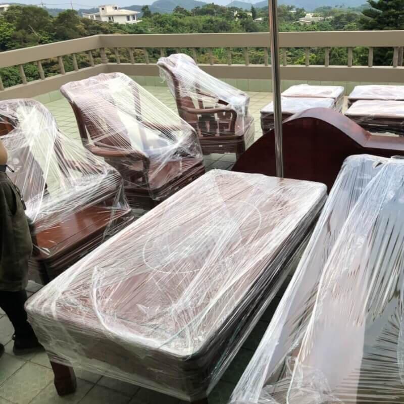台北搬家-台北中山搬新北蘆洲 還有很重的木頭桌椅