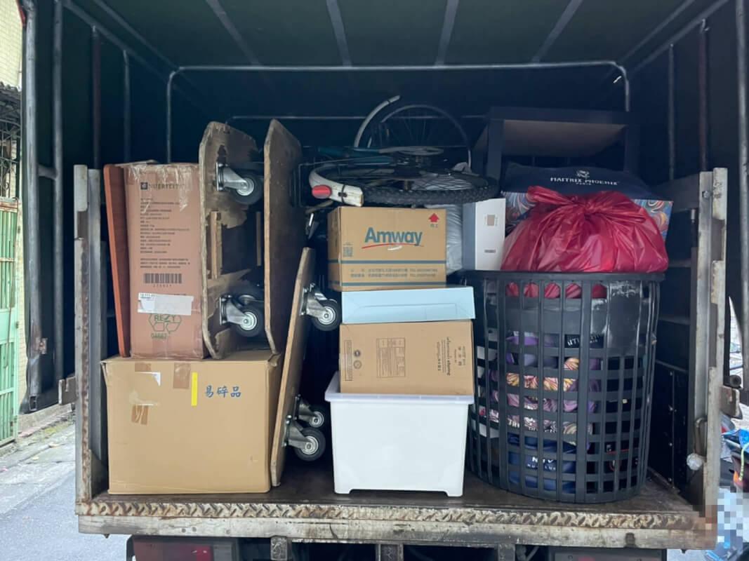天喜搬家人員的小幫手 – 黑色塑膠籃